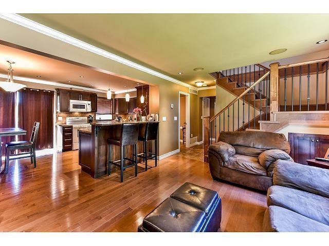 Main Photo: 15484 MADRONA DR in Surrey: King George Corridor House for sale (South Surrey White Rock)  : MLS®# F1443553