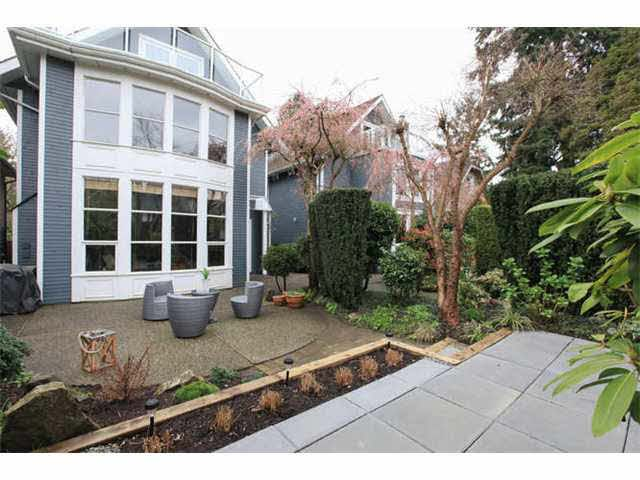 Main Photo: 3542 W 2ND AVENUE in : Kitsilano House 1/2 Duplex for sale : MLS®# V1112652