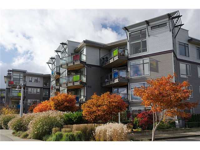 "Main Photo: 404 14300 RIVERPORT Way in Richmond: East Richmond Condo for sale in ""WATERSTONE PIER"" : MLS®# V930433"