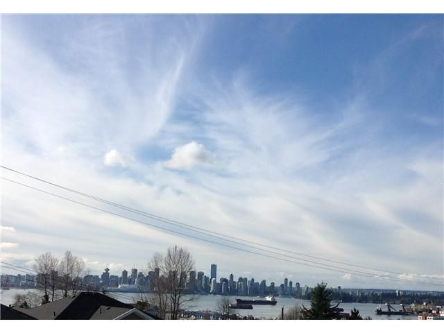 Main Photo: 439 W KEITH RD in North Vancouver: Lower Lonsdale Condo for sale : MLS®# V1049029