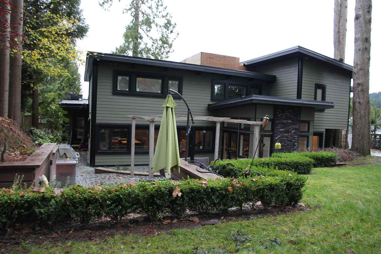 Main Photo: 973 WALLACE WYND in Port Moody: Glenayre House for sale : MLS®# R2143895