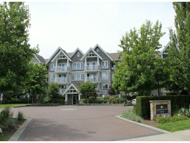 "Main Photo: 220 20750 DUNCAN Way in Langley: Langley City Condo for sale in ""Fairfield Lane"" : MLS®# F1417131"