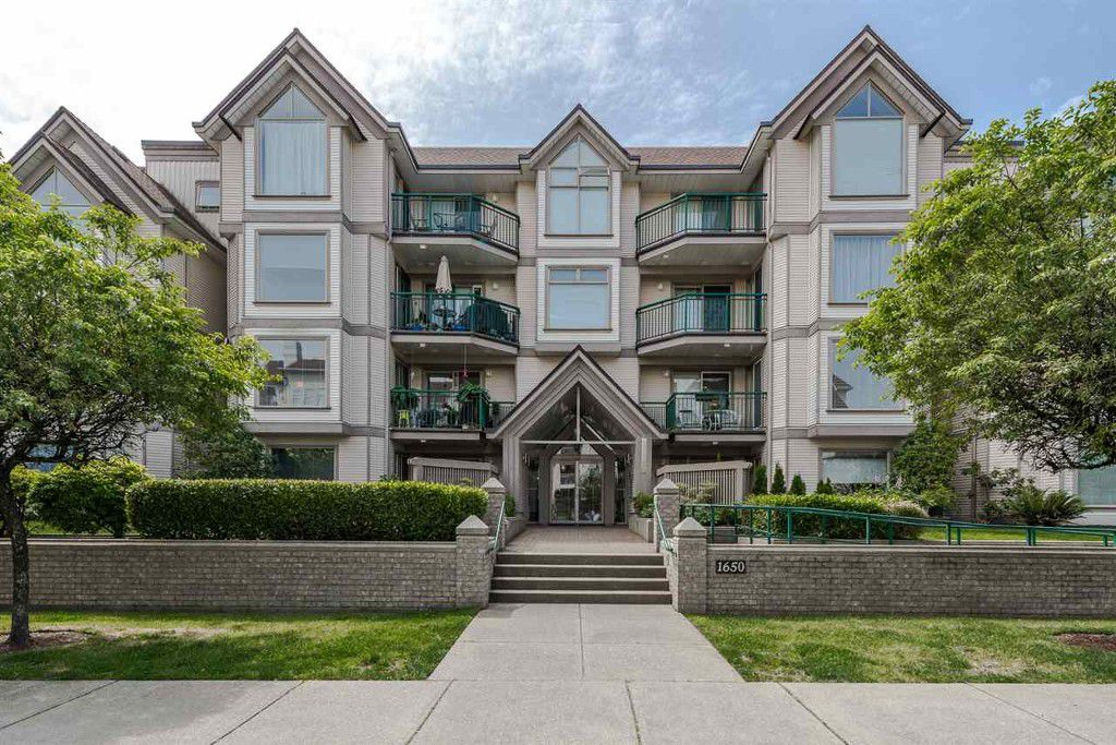 Main Photo: 302-1650 Grant Ave in Port Coquitlam: Home for sale : MLS®# R2076579