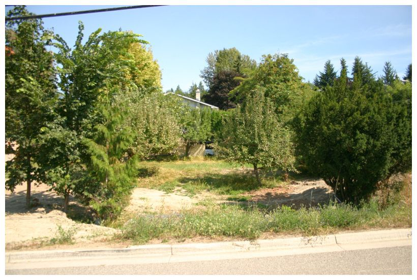 Main Photo: 2021 Northeast 1 Avenue in Salmon Arm: NE Salmon Arm Vacant Land for sale (Shuswap/Revelstoke)  : MLS®# 10070481