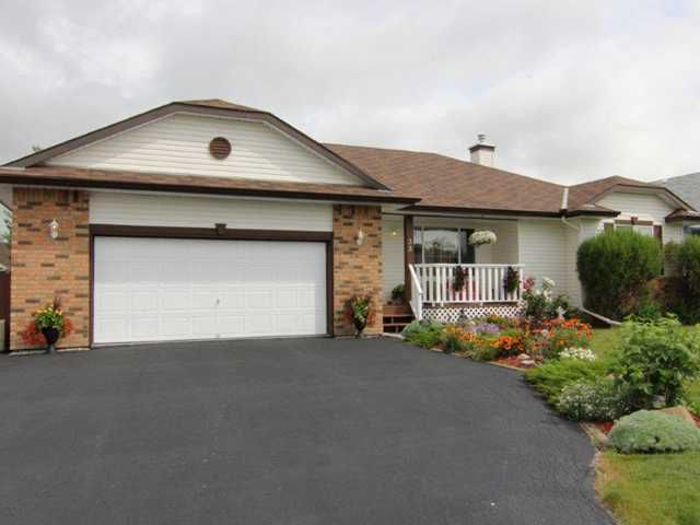 Main Photo: 33 WILSON Road: Langdon Residential Detached Single Family for sale : MLS®# C3532500