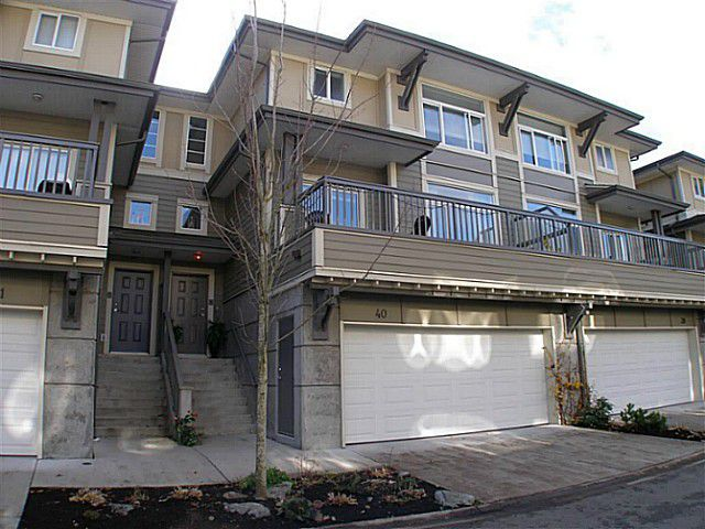 """Main Photo: 40 40632 GOVERNMENT Road in Squamish: Brackendale Townhouse for sale in """"RIVERSWALK"""" : MLS®# V996205"""