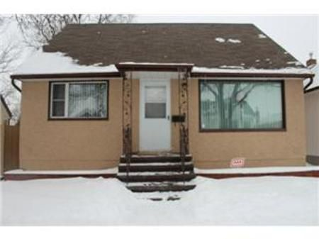 Main Photo: 381 Airlies Street: Residential for sale (North End)  : MLS®# 1203910