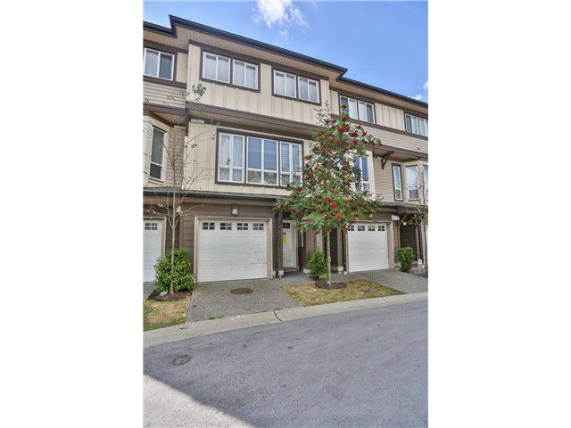 "Main Photo: 46 160 PEMBINA Street in New Westminster: Queensborough Townhouse for sale in ""EAGLE CREST ESTATES"" : MLS®# V970674"