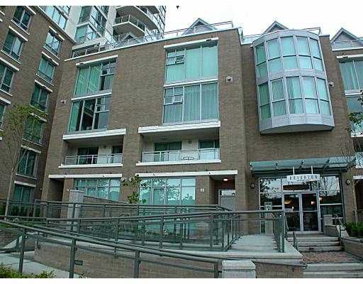 """Main Photo: 305 1030 QUEBEC ST in Vancouver: Mount Pleasant VE Townhouse for sale in """"BRIGHTON"""" (Vancouver East)  : MLS®# V592682"""