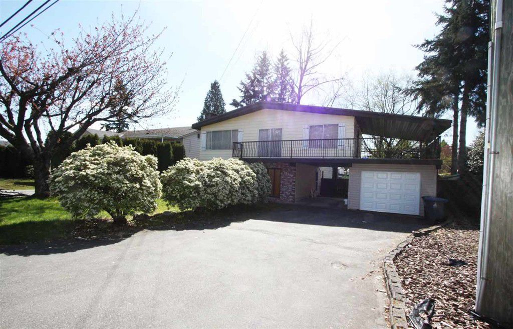 Main Photo: 15160 92 Avenue in Surrey: Fleetwood Tynehead House for sale : MLS®# r2051407