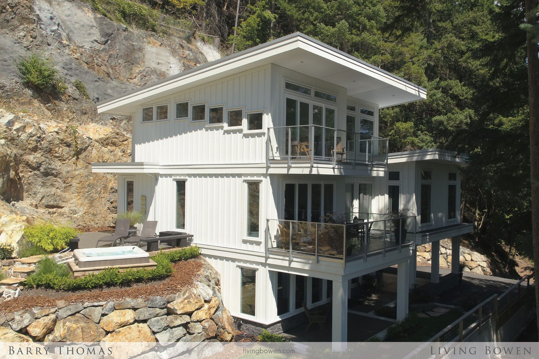Main Photo: 820 Taylor Road in Bowen Island: Queen Charlotte Heights House for sale : MLS®# R2291522