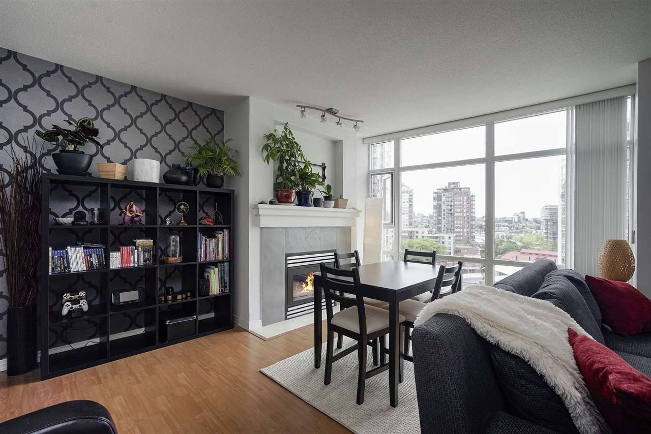 Main Photo: 1008 198 AQUARIUS MEWS in Vancouver: Yaletown Condo for sale (Vancouver West)  : MLS®# R2313413