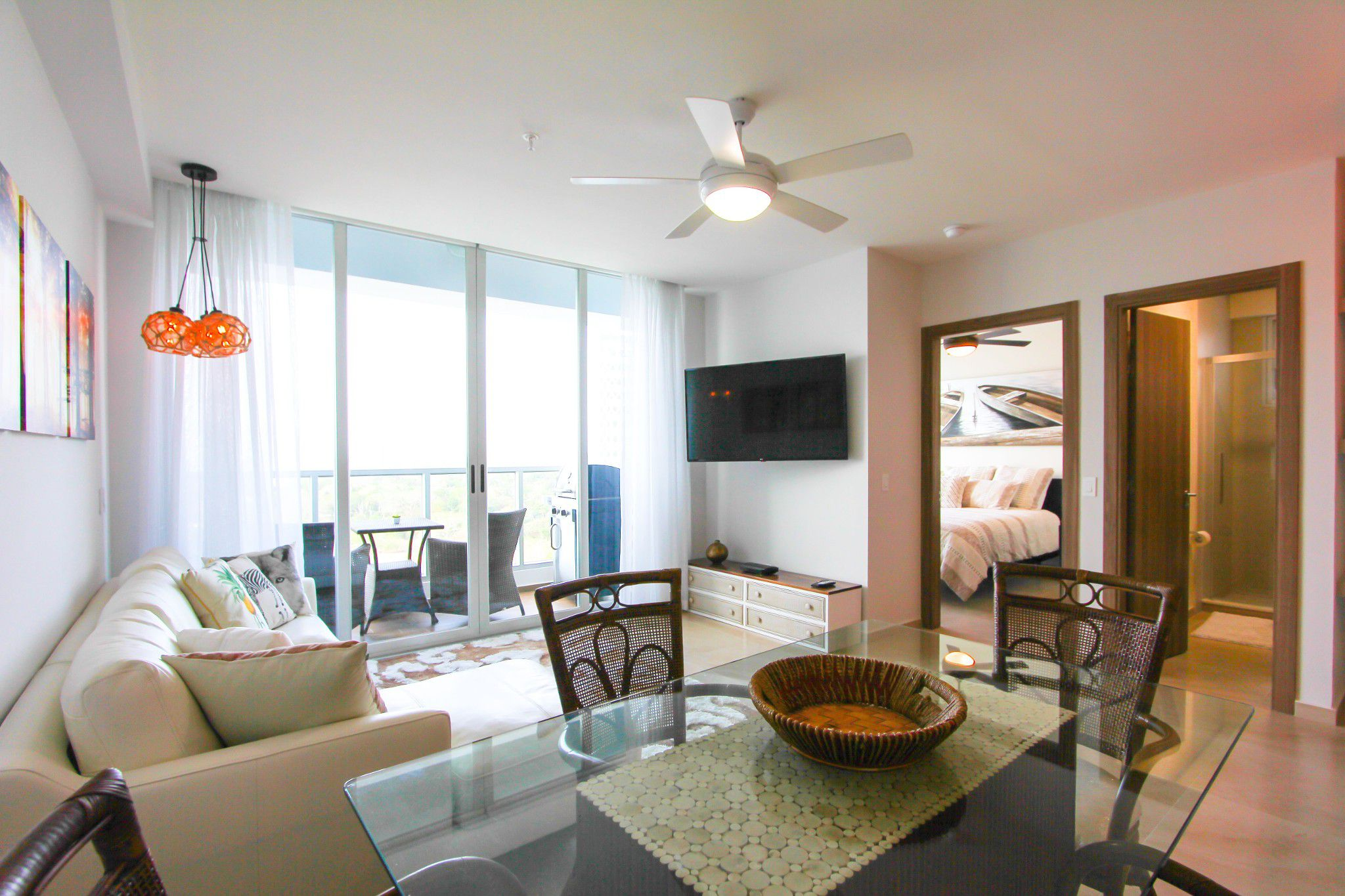 Main Photo: PH Royal Palm Resale - One Bedroom