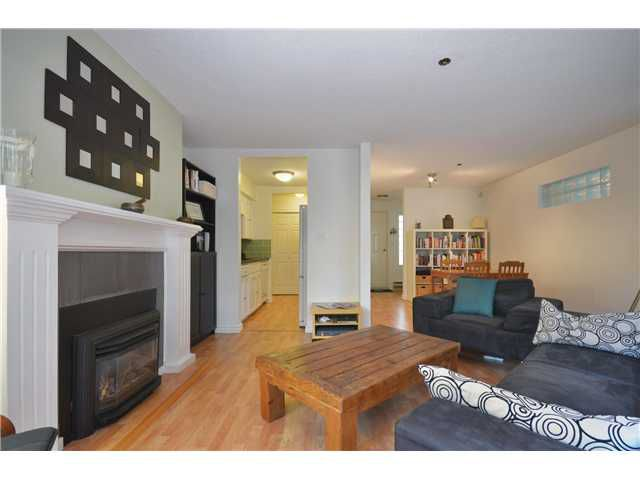 "Main Photo: 103 966 W 14TH Avenue in Vancouver: Fairview VW Condo for sale in ""WINDSOR GARDENS"" (Vancouver West)  : MLS®# V965801"