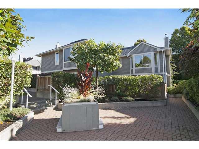 Main Photo: # 11 849 TOBRUCK AV in North Vancouver: Hamilton Condo for sale : MLS®# V1029570
