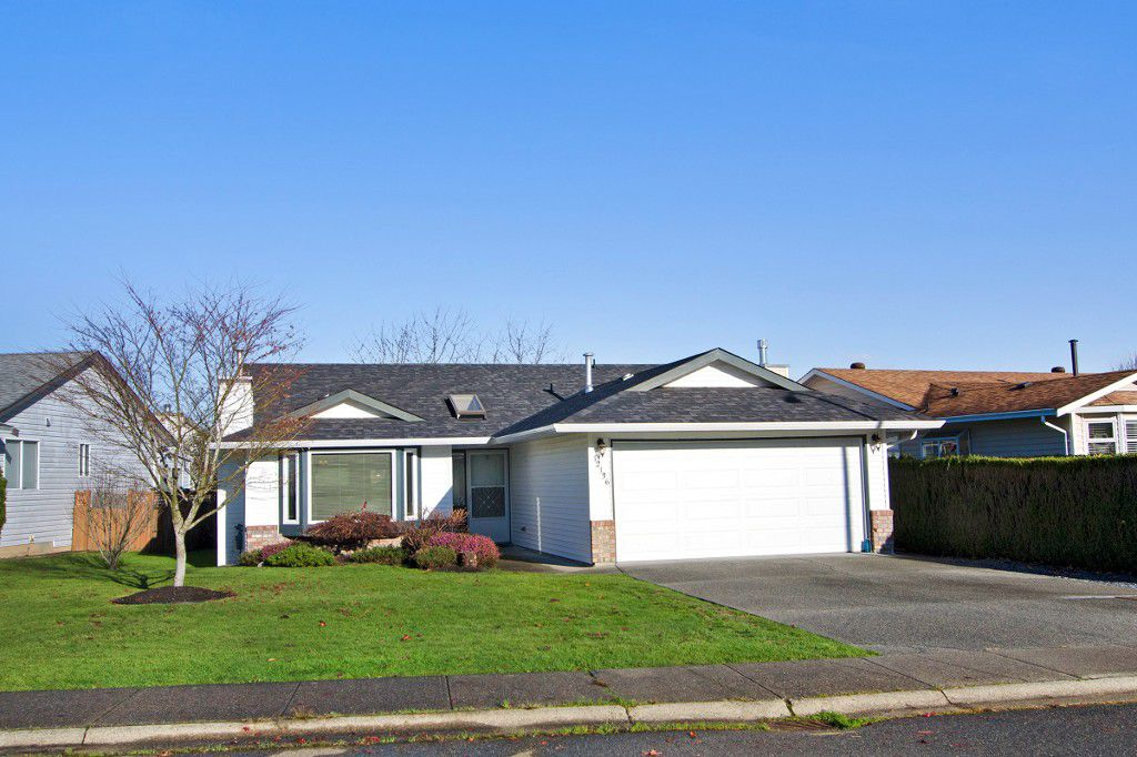 Main Photo: 12136 CHERRYWOOD DRIVE in Maple Ridge: East Central House for sale : MLS®# R2017397