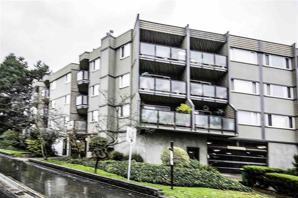 Main Photo: 206 212 Forbes Avenue in North Vancouver: Lower Lonsdale Condo for sale : MLS®# r2014580