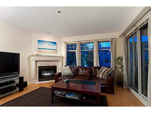 Main Photo: 204 1989 W 1ST AVENUE in : Kitsilano Condo for sale : MLS®# V1025145