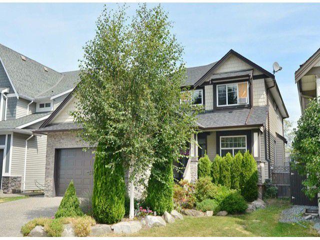 Main Photo: 20335 98A Avenue in Langley: Walnut Grove House for sale : MLS®# f1417743