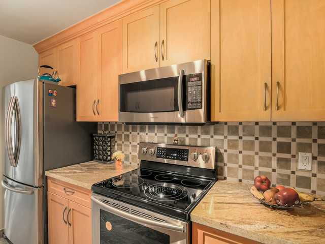 Main Photo: # 203 340 NINTH ST in New Westminster: Uptown NW Condo for sale : MLS®# V1113065