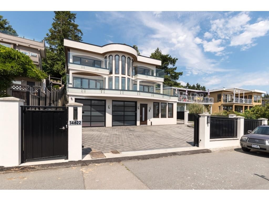 Main Photo: 14622 W BEACH AVENUE: White Rock House for sale (South Surrey White Rock)  : MLS®# R2343991