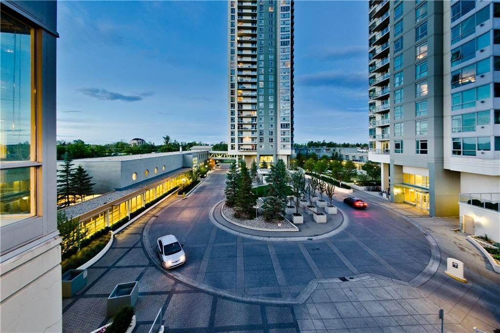 Main Photo: #303 55 SPRUCE PL SW in Calgary: Spruce Cliff Condo for sale : MLS®# C4193543
