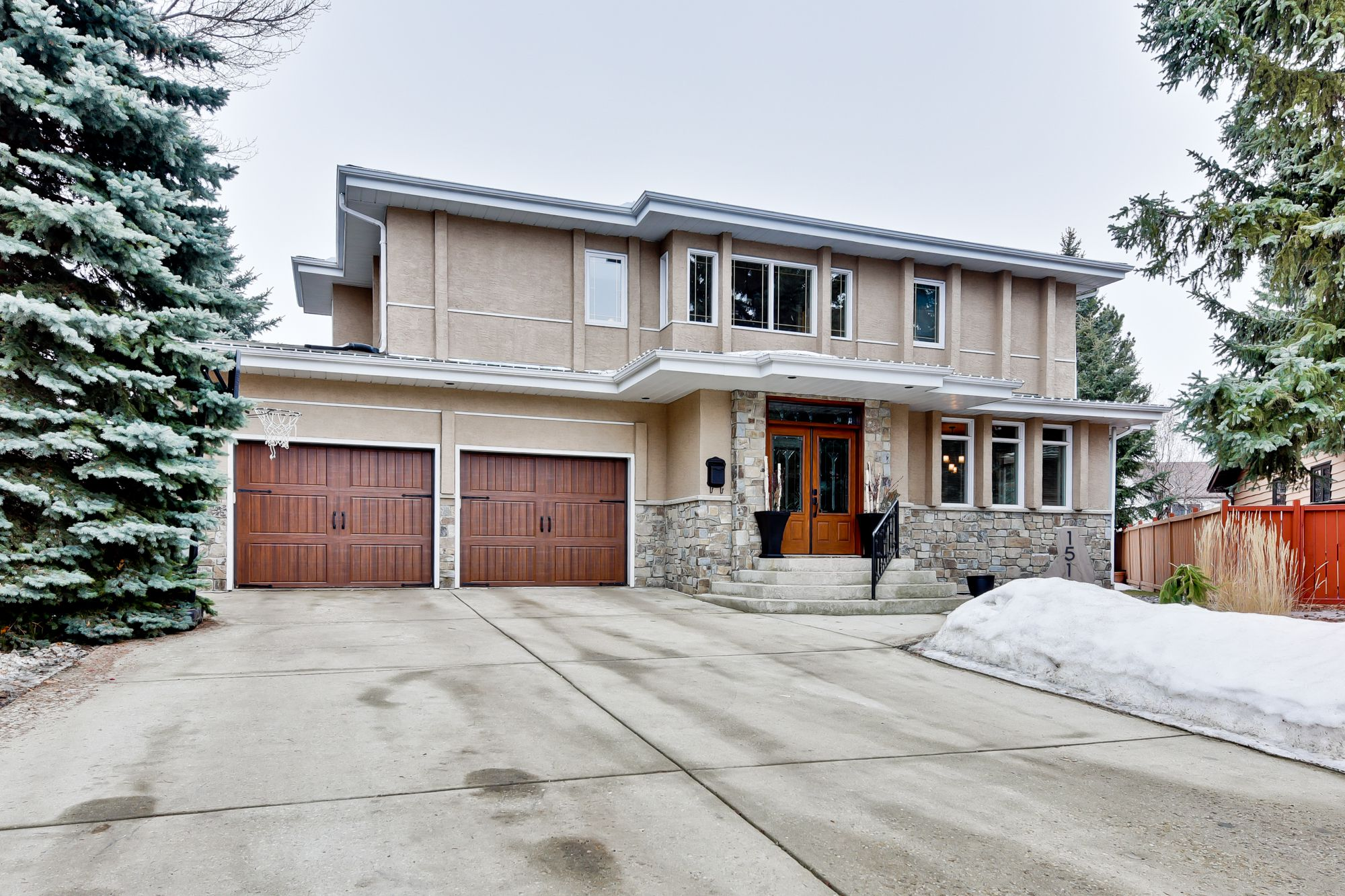 Main Photo: 15113 42 Avenue NW in Edmonton: House for sale