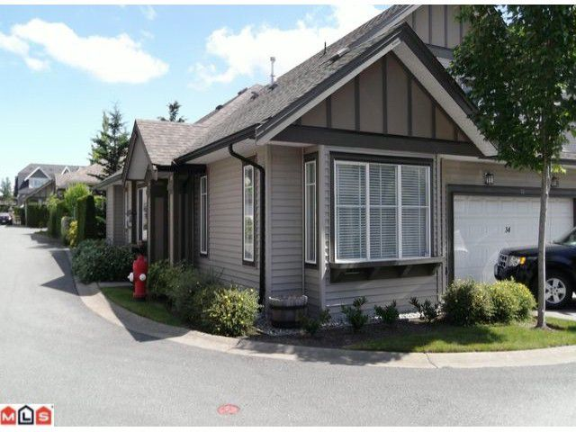 "Main Photo: 34 15868 85TH Avenue in Surrey: Fleetwood Tynehead Townhouse for sale in ""CHESTNUT GROVE"" : MLS®# F1217140"