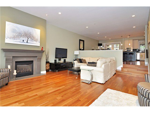 "Main Photo: # 9 2555 SKILIFT RD in West Vancouver: Chelsea Park Townhouse for sale in ""CHAIRLIFT RIDGE"" : MLS®# V1015084"