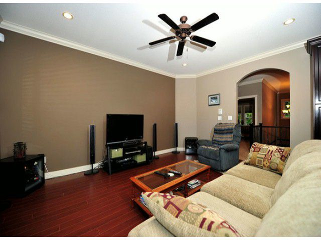 Photo 15: Photos: 8596 FAIRBANKS ST in Mission: Mission BC House for sale : MLS®# F1318181