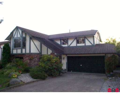 Main Photo: 8477 153A ST in Surrey: Fleetwood Tynehead House for sale : MLS®# F2617805
