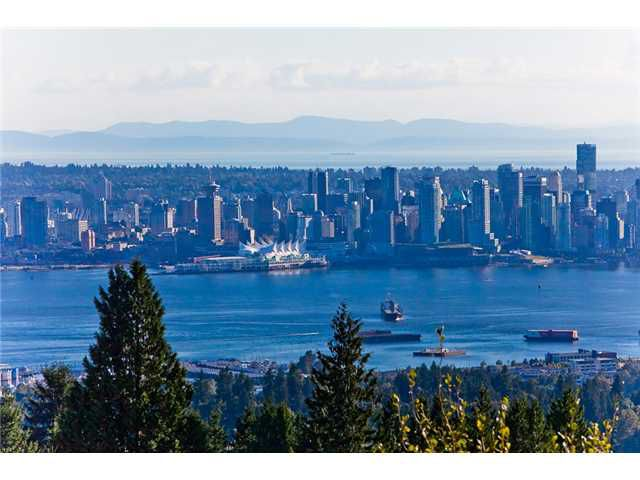 Main Photo: 3887 ST GEORGES Avenue in North Vancouver: Upper Lonsdale House for sale : MLS®# V968113