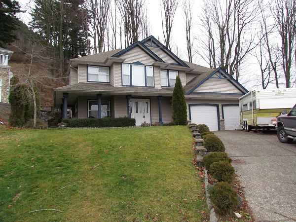 Main Photo: 36398 Samtree Place in ABBOTSFORD: House for rent (Abbotsford)