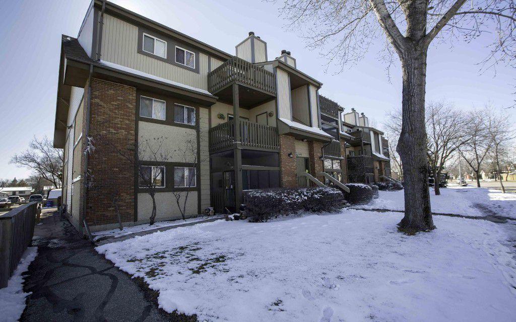 Main Photo: 204 1666 Jefferson Avenue in Winnipeg: Maples / Tyndall Park Condominium for sale (North West Winnipeg)  : MLS®# 1606236