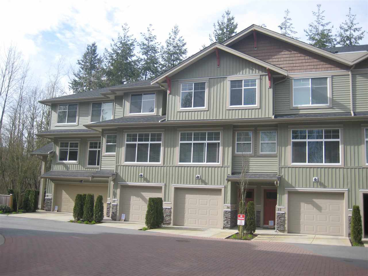 Main Photo: 16 20967 76 AVENUE in Langley: Willoughby Heights Townhouse for sale : MLS®# R2040697