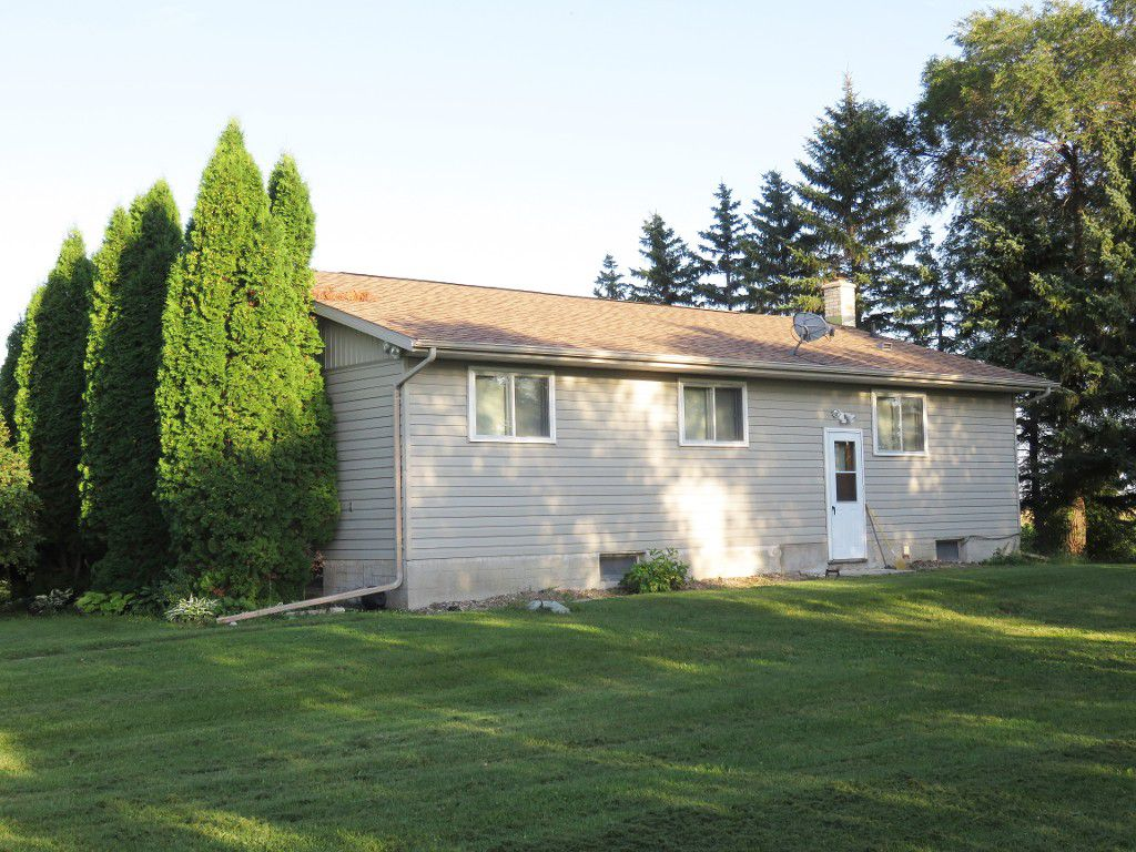 Main Photo: 65116 Edgewood Road in RM Springfield: Single Family Detached for sale : MLS®# 1622345