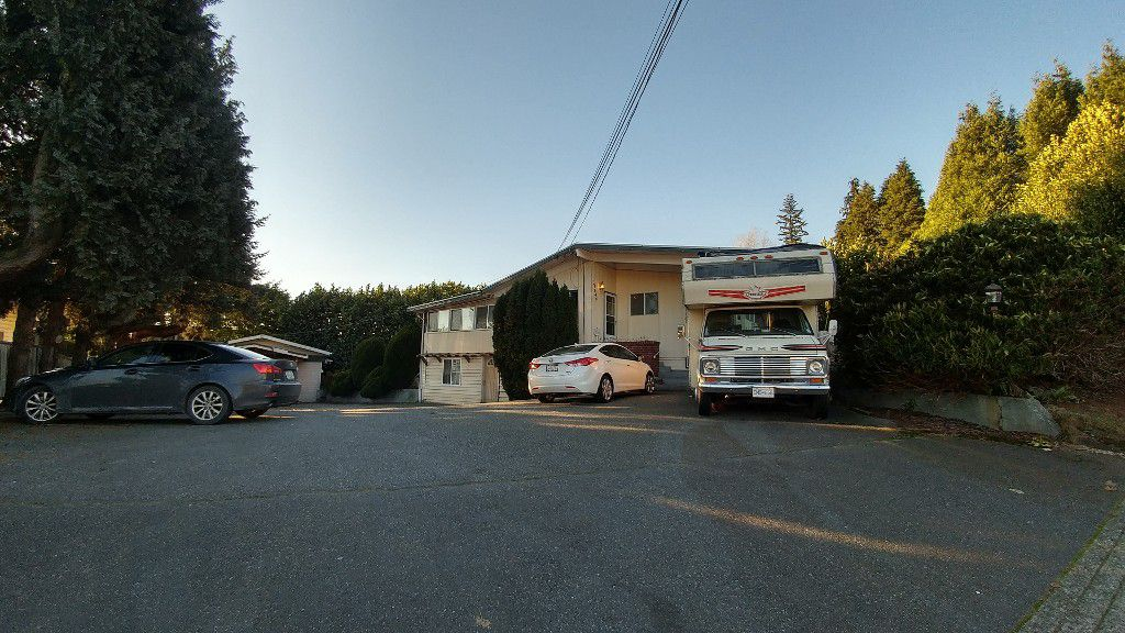 Main Photo: 32646 Peardonville Road in Abbotsford: Central Abbotsford House for rent
