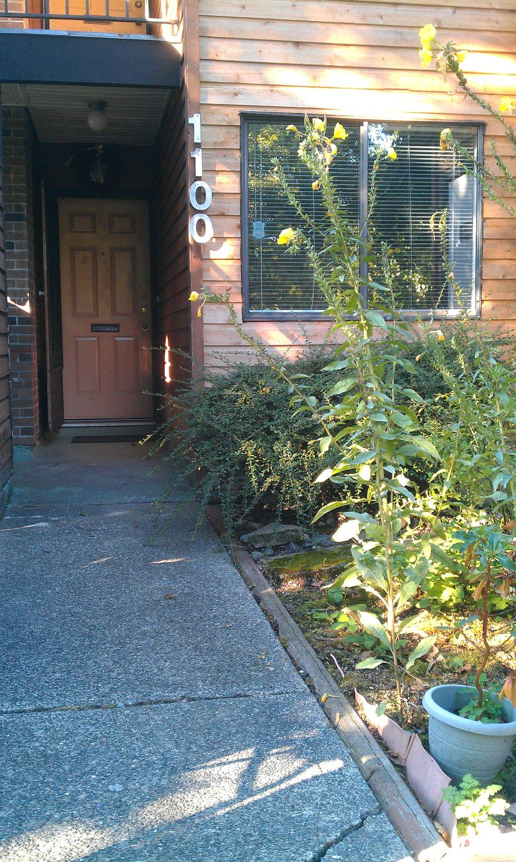 Main Photo: #1100 10620-150 St in Surrey: Guildford Townhouse for sale (North Surrey)