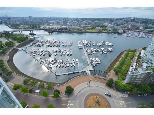 """Main Photo: 2601 1199 MARINASIDE Crescent in Vancouver: Yaletown Condo for sale in """"Aquarius 1"""" (Vancouver West)  : MLS®# V1023372"""