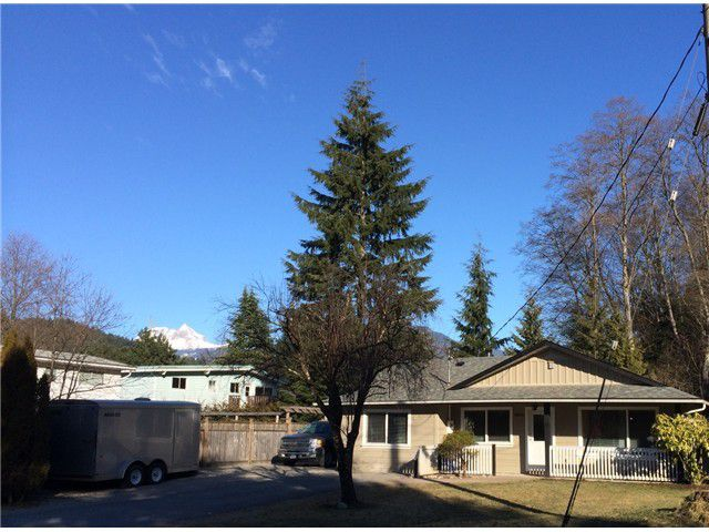 Main Photo: 38014 MAGNOLIA CR in Squamish: Valleycliffe House for sale : MLS®# V1047971