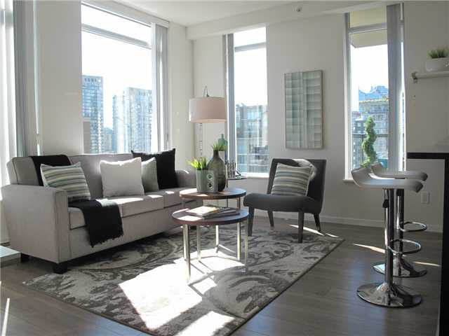 "Main Photo: 1807 1001 HOMER Street in Vancouver: Yaletown Condo for sale in ""The Bentley"" (Vancouver West)  : MLS®# V1076353"