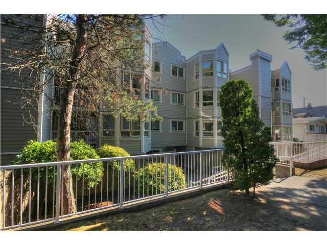 Main Photo: # 302 1516 E 1ST AV in Vancouver: Grandview VE Condo for sale (Vancouver East)  : MLS®# V1080550