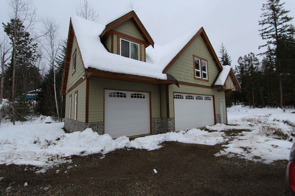 Main Photo: 5217 Tallington Drive in Celista: North Shuswap House for sale (Shuswap)  : MLS®# 10092409