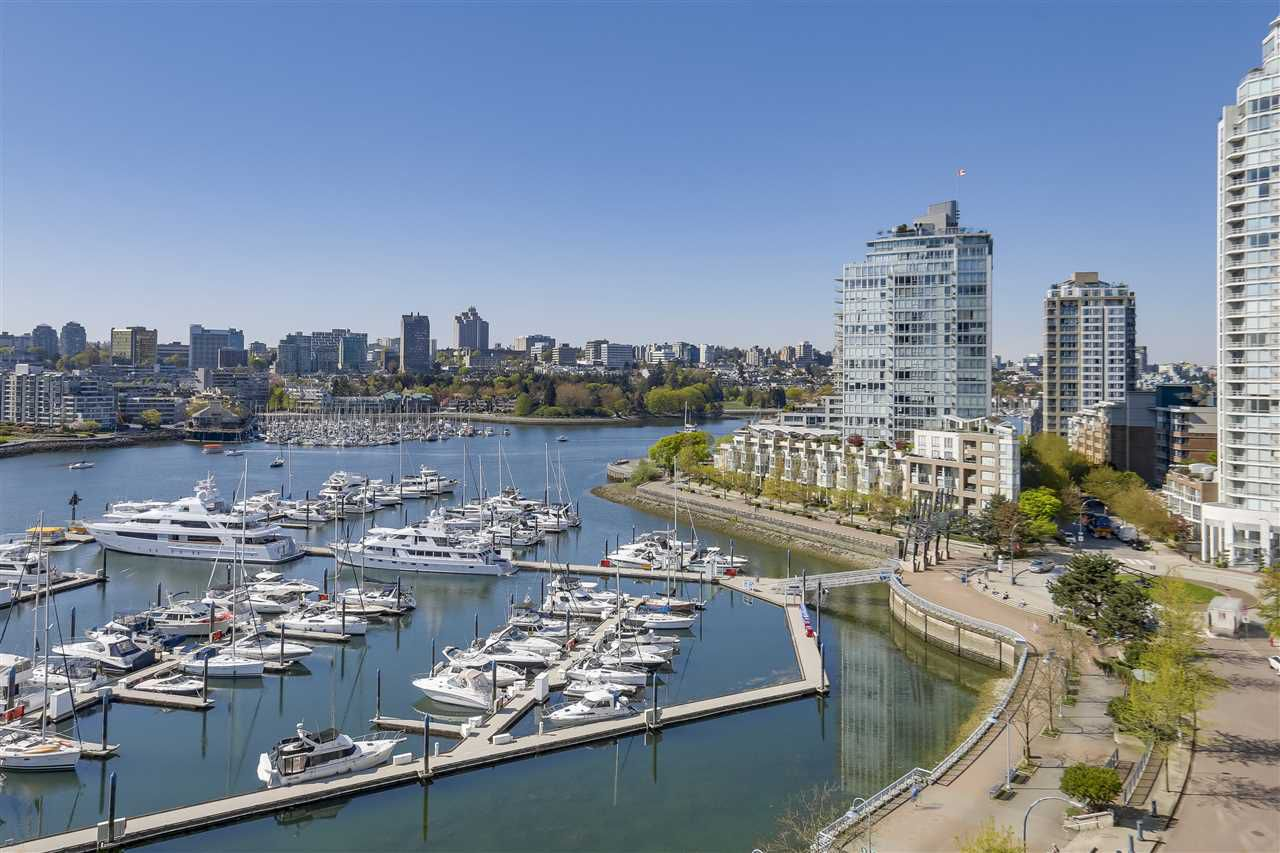 Main Photo: 1103 1077 MARINASIDE CRESCENT in Vancouver: Yaletown Condo for sale (Vancouver West)  : MLS®# R2273714