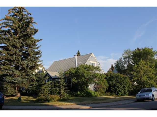 Main Photo: 502 18A Street NW in CALGARY: Hillhurst Residential Detached Single Family for sale (Calgary)  : MLS®# C3540696