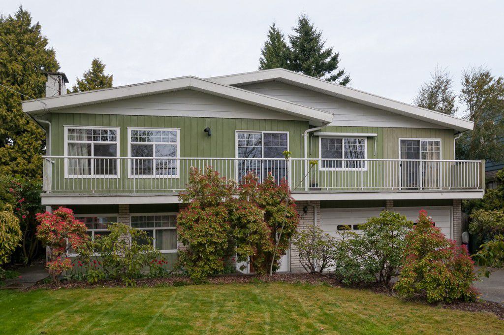 """Main Photo: 431 5TH ST in New Westminster: Queens Park House for sale in """"QUEENS PARK"""" : MLS®# V1002480"""