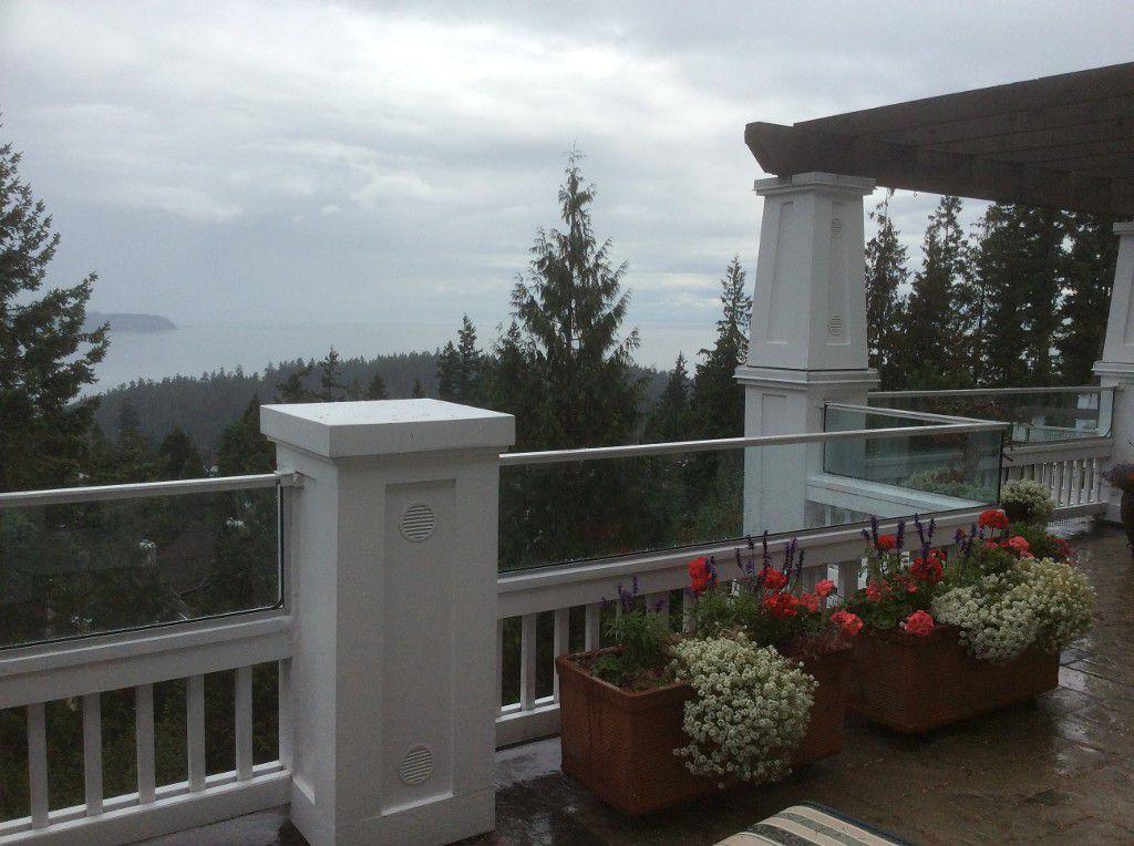 Main Photo: #10 5110 Alderfeild Place, West Vancouver in West Vancouver: Upper Caulfeild