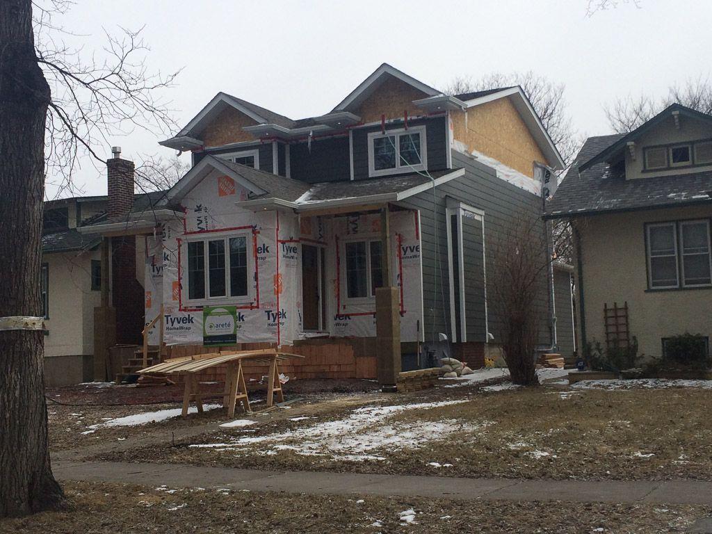 Main Photo: 270 Niagara Street in Winnipeg: River Heights / Tuxedo / Linden Woods Single Family Detached for sale (Central Winnipeg)  : MLS®# 1513104