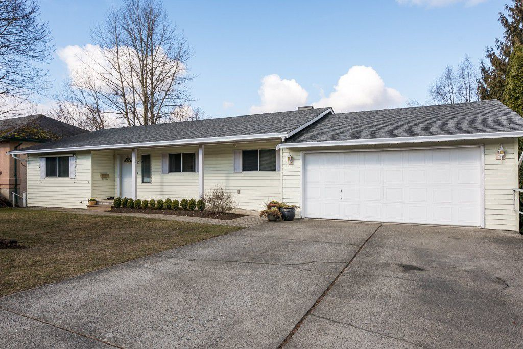 Main Photo: 34671 Blatchford Way in Abbotsford: Abbotsford East House for sale : MLS®# R2140996
