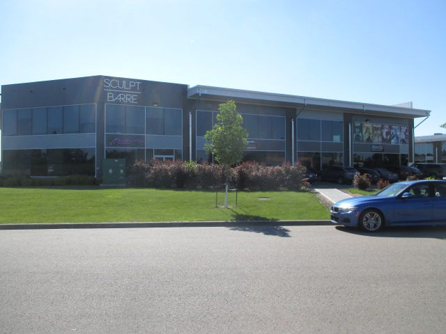 Main Photo: 240 145 Carleton Drive in St. Albert: Office for lease : MLS®# E4126100